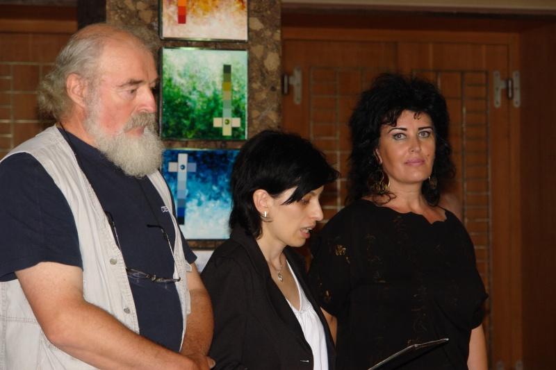 Vernisaj expozitie de pictura si sculptura -Liliana Nastas Brătescu/Ioan Croitor Brădescu-Dialog Metaforic-9-19 iunie 2011 Brasov Dsc05625