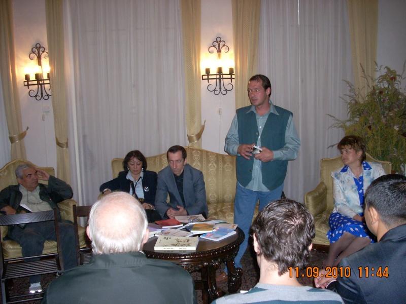 11 septembrie 2010 -Sedinta a V-a a Cenaclului U.P-Lansare de carte-Treizeci si cinci-Ovidiu Raul Vasiliu Dscn3511
