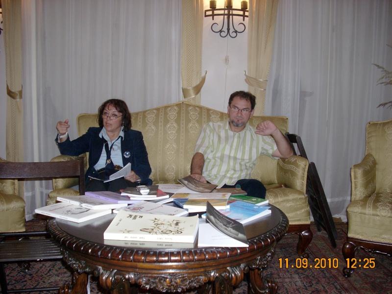 11 septembrie 2010 -Sedinta a V-a a Cenaclului U.P-Lansare de carte-Treizeci si cinci-Ovidiu Raul Vasiliu Dscn3518