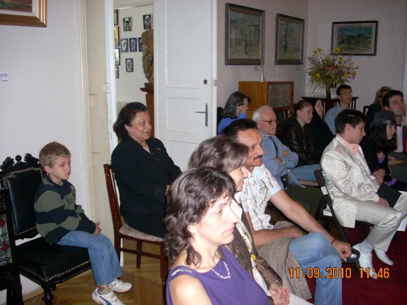 11 septembrie 2010 -Sedinta a V-a a Cenaclului U.P-Lansare de carte-Treizeci si cinci-Ovidiu Raul Vasiliu Dscn3521
