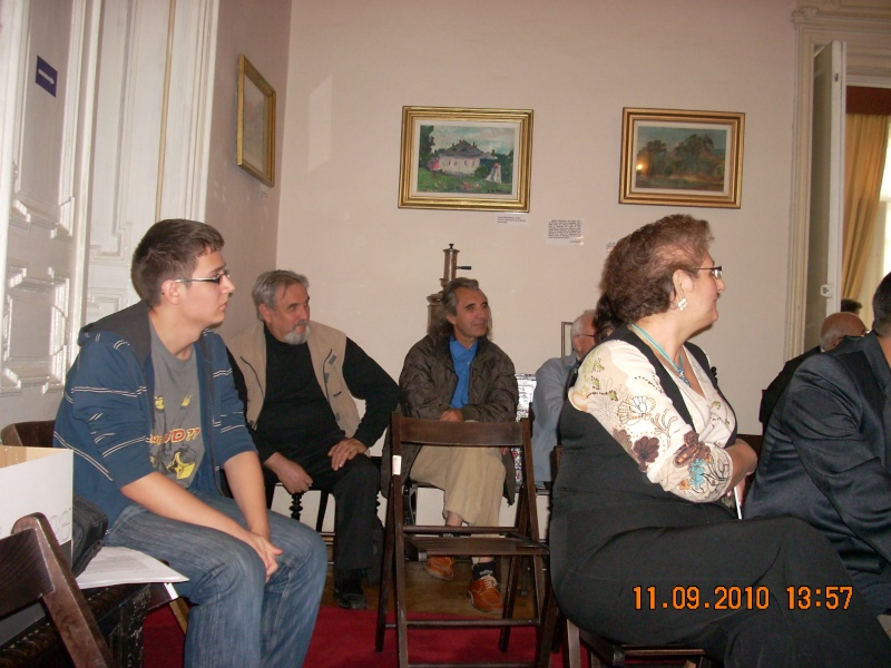 11 septembrie 2010 -Sedinta a V-a a Cenaclului U.P-Lansare de carte-Treizeci si cinci-Ovidiu Raul Vasiliu Dscn3523
