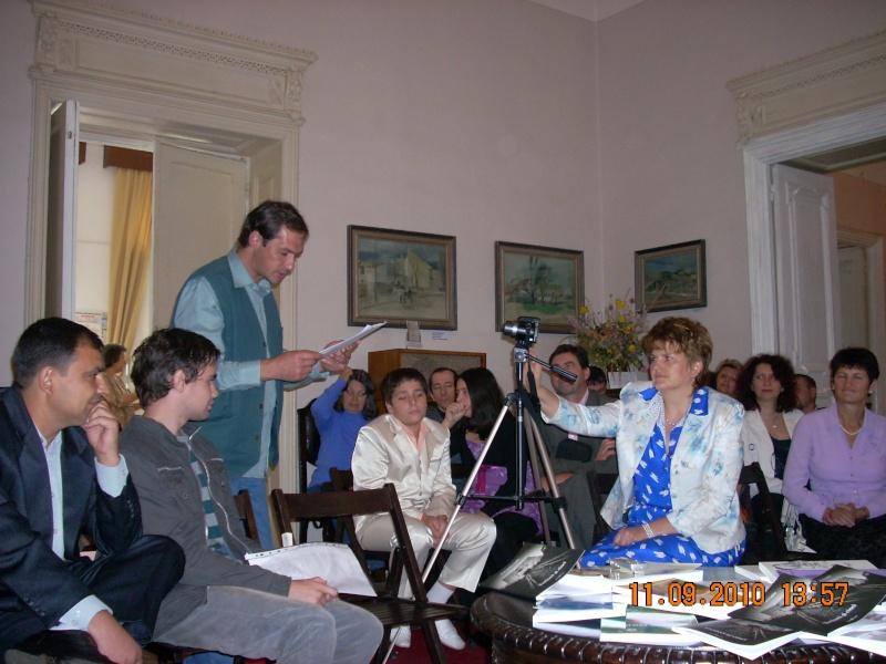 11 septembrie 2010 -Sedinta a V-a a Cenaclului U.P-Lansare de carte-Treizeci si cinci-Ovidiu Raul Vasiliu Dscn3525