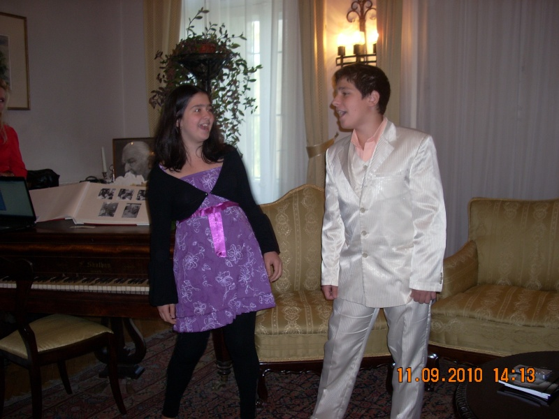 11 septembrie 2010 -Sedinta a V-a a Cenaclului U.P-Lansare de carte-Treizeci si cinci-Ovidiu Raul Vasiliu Dscn3529