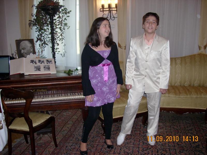 11 septembrie 2010 -Sedinta a V-a a Cenaclului U.P-Lansare de carte-Treizeci si cinci-Ovidiu Raul Vasiliu Dscn3531