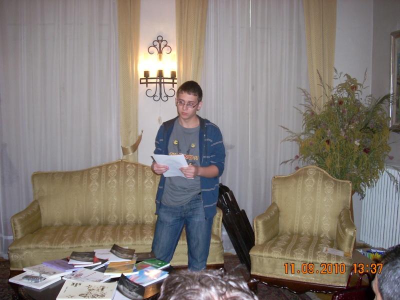 11 septembrie 2010 -Sedinta a V-a a Cenaclului U.P-Lansare de carte-Treizeci si cinci-Ovidiu Raul Vasiliu Dscn3532