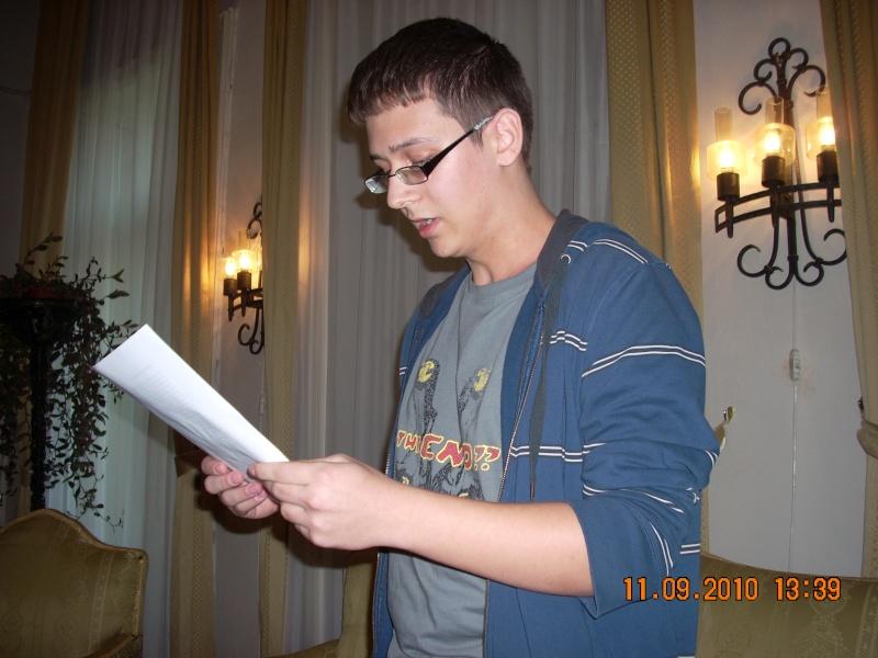 11 septembrie 2010 -Sedinta a V-a a Cenaclului U.P-Lansare de carte-Treizeci si cinci-Ovidiu Raul Vasiliu Dscn3533