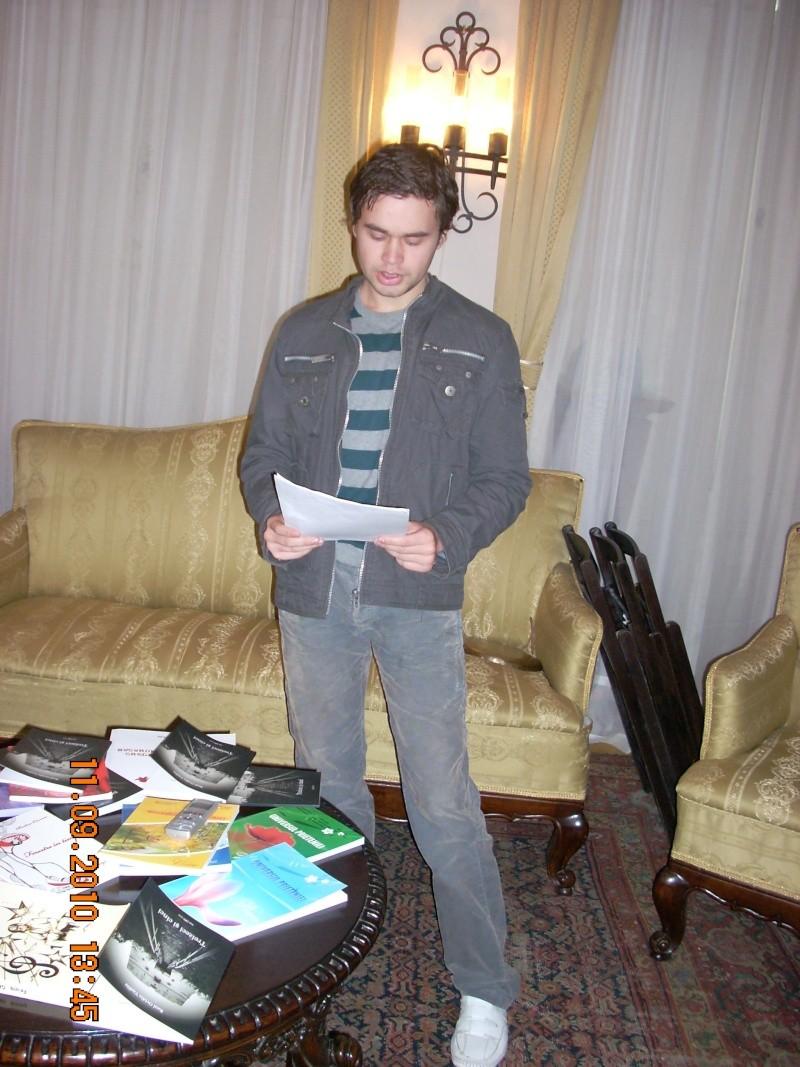 11 septembrie 2010 -Sedinta a V-a a Cenaclului U.P-Lansare de carte-Treizeci si cinci-Ovidiu Raul Vasiliu Dscn3535