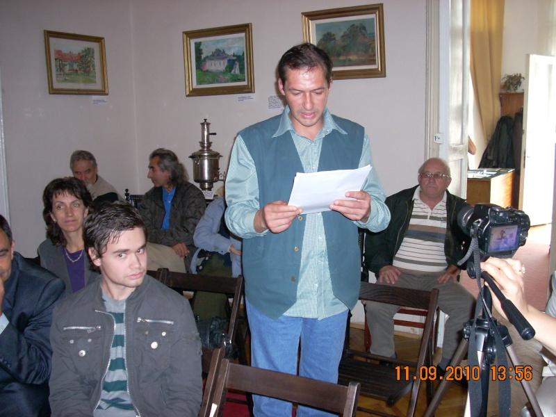 11 septembrie 2010 -Sedinta a V-a a Cenaclului U.P-Lansare de carte-Treizeci si cinci-Ovidiu Raul Vasiliu Dscn3539