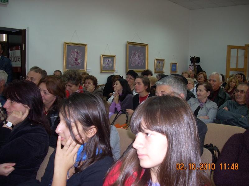 Maria Elena Cuşnir-Lansare de carte-2 Octombrie 2010 Dscn3711