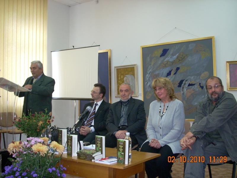Maria Elena Cuşnir-Lansare de carte-2 Octombrie 2010 Dscn3712