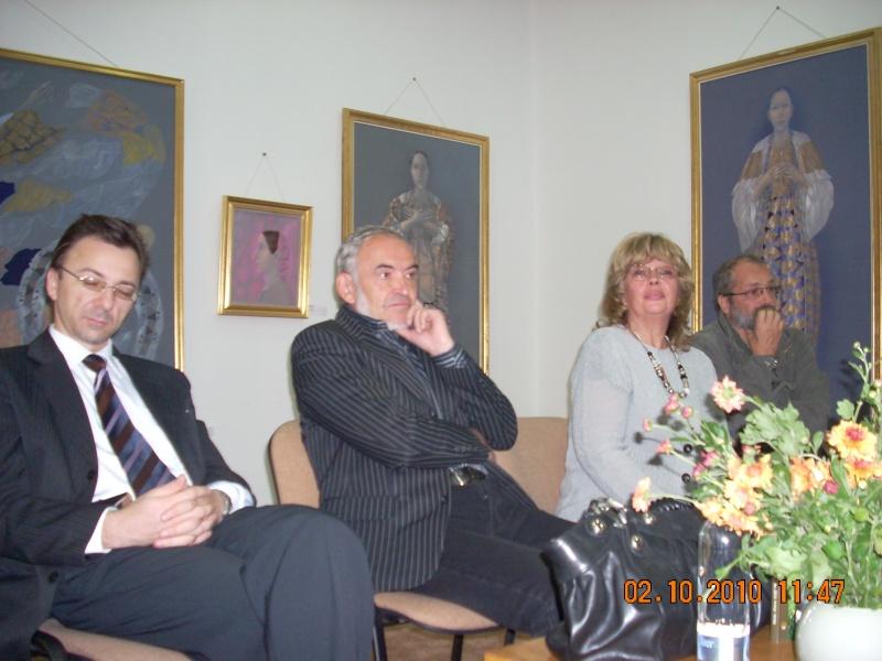 Maria Elena Cuşnir-Lansare de carte-2 Octombrie 2010 Dscn3713