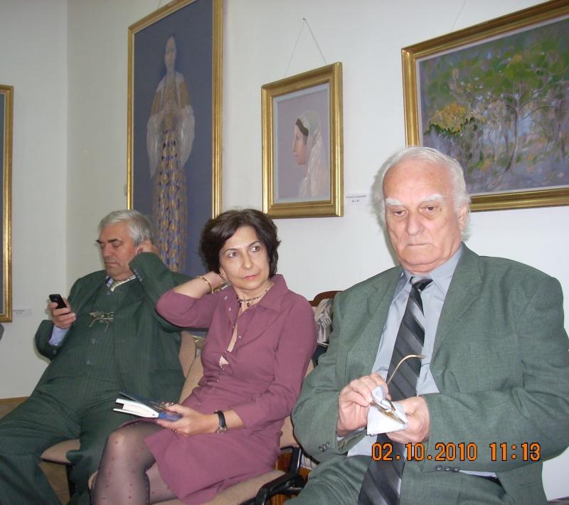 Maria Elena Cuşnir-Lansare de carte-2 Octombrie 2010 Dscn3714