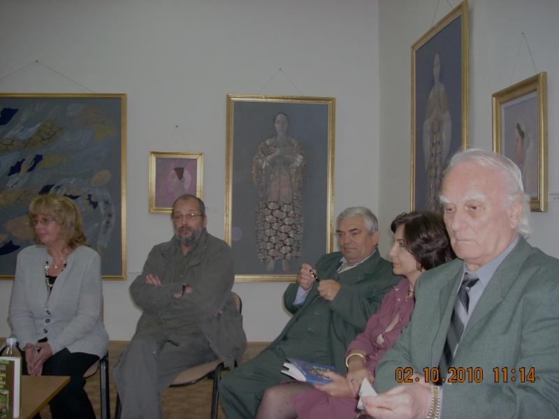 Maria Elena Cuşnir-Lansare de carte-2 Octombrie 2010 Dscn3715