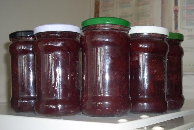 Dulceţuri tradiţionale, siropuri, gemuri, compot pt.iarna şi fructe confiate. Dulcea16