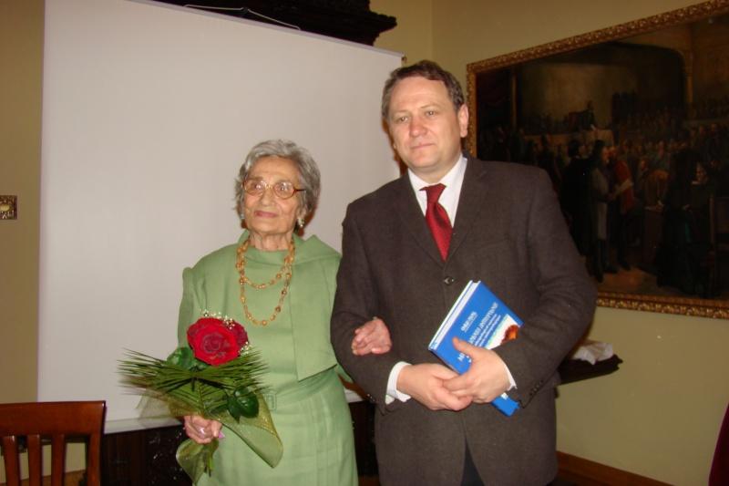 Emilia Pavel-60 de ani de etnografie şi 86 de ani de viaţă Emilia41