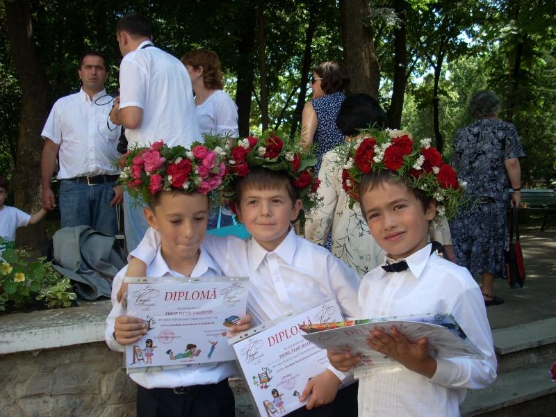 15 iunie- Ziua Coronitelor Emines24