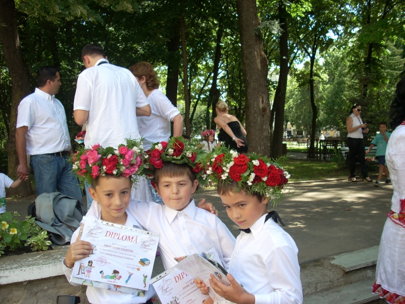 15 iunie- Ziua Coronitelor Emines25