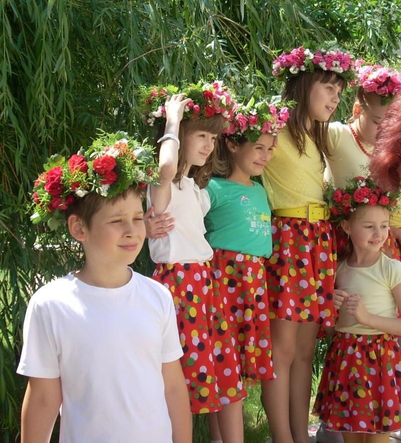 15 iunie- Ziua Coronitelor Emines27
