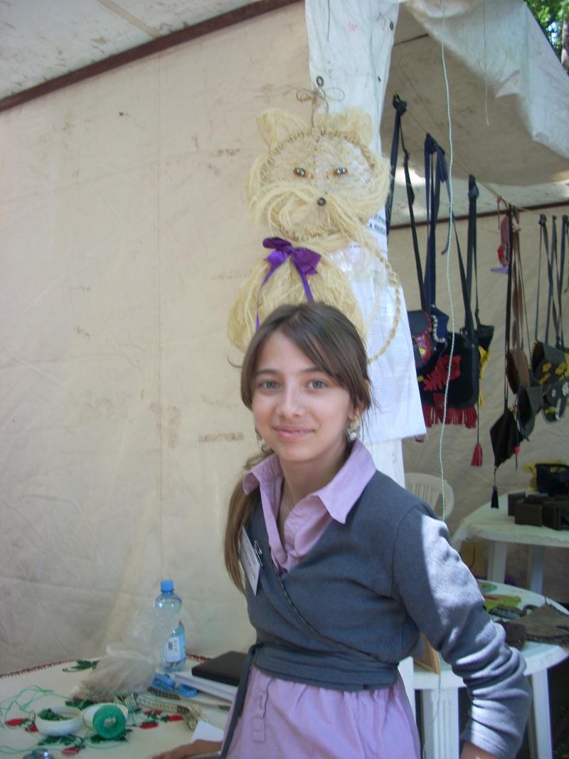 Targul de arta ceramica Cucuteni si al mestesugarilor de la Iasi-1/3 iulie 2011 Floare12
