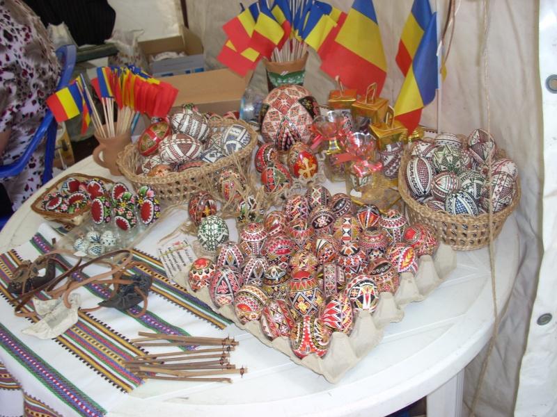 Targul de arta ceramica Cucuteni si al mestesugarilor de la Iasi-1/3 iulie 2011 Floare19