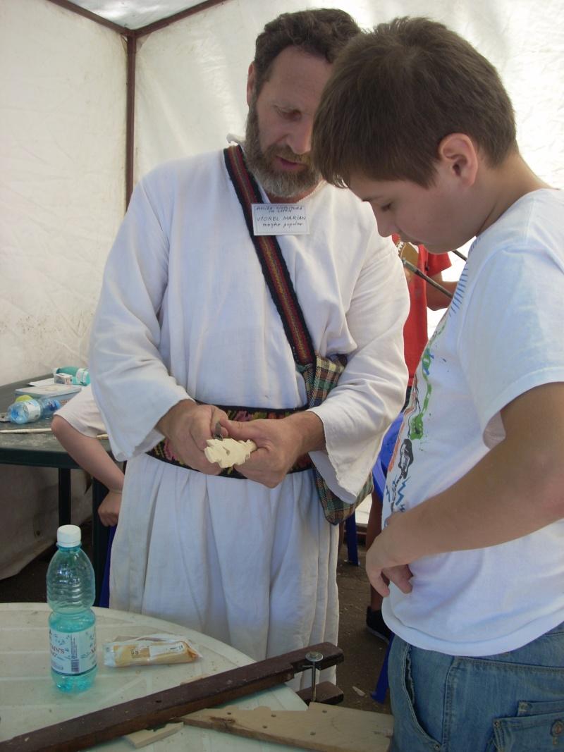 Targul de arta ceramica Cucuteni si al mestesugarilor de la Iasi-1/3 iulie 2011 Floare29