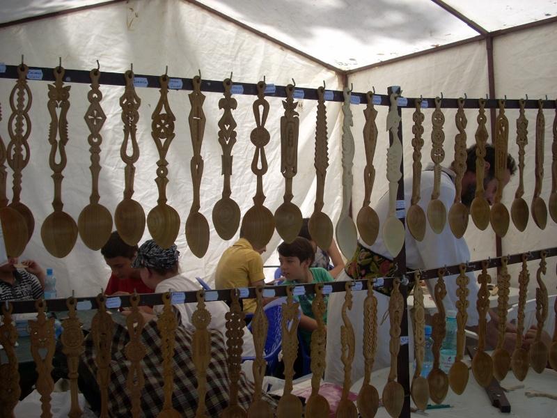 Targul de arta ceramica Cucuteni si al mestesugarilor de la Iasi-1/3 iulie 2011 Floare31