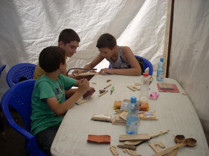 Targul de arta ceramica Cucuteni si al mestesugarilor de la Iasi-1/3 iulie 2011 Floare33