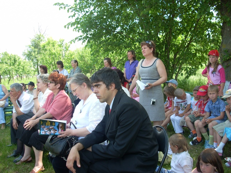 """""""ACASĂ LA FAMILIA NEGRUZZI""""- Muzeul """"C. Negruzzi"""" din Hermeziu, comuna Trifeşti-duminica 22 mai 2011 Hermez28"""