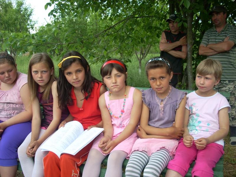"""""""ACASĂ LA FAMILIA NEGRUZZI""""- Muzeul """"C. Negruzzi"""" din Hermeziu, comuna Trifeşti-duminica 22 mai 2011 Hermez35"""