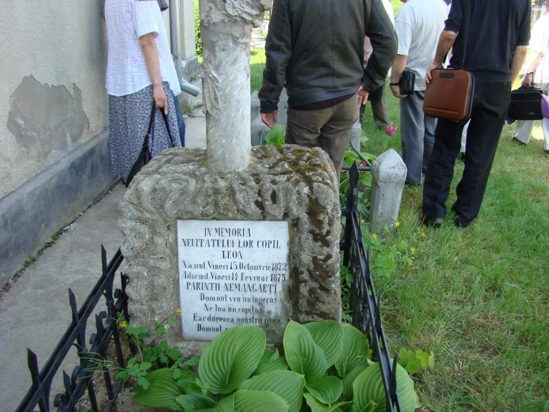 """""""ACASĂ LA FAMILIA NEGRUZZI""""- Muzeul """"C. Negruzzi"""" din Hermeziu, comuna Trifeşti-duminica 22 mai 2011 Hermez45"""