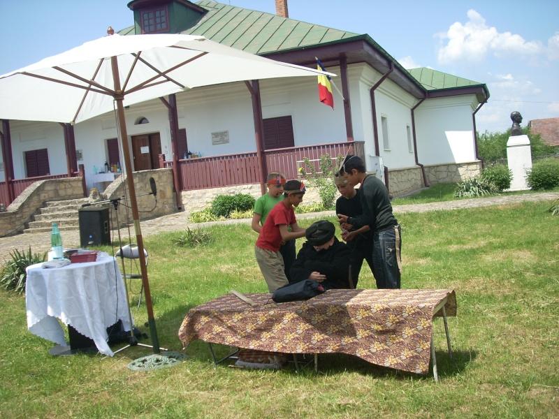 """""""ACASĂ LA FAMILIA NEGRUZZI""""- Muzeul """"C. Negruzzi"""" din Hermeziu, comuna Trifeşti-duminica 22 mai 2011 Hermez63"""