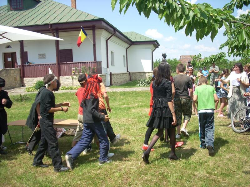 """""""ACASĂ LA FAMILIA NEGRUZZI""""- Muzeul """"C. Negruzzi"""" din Hermeziu, comuna Trifeşti-duminica 22 mai 2011 Hermez69"""