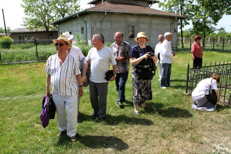 """ACASĂ LA FAMILIA NEGRUZZI""- Muzeul ""C. Negruzzi"" din Hermeziu, comuna Trifeşti-duminica 22 mai 2011 Img_2010"