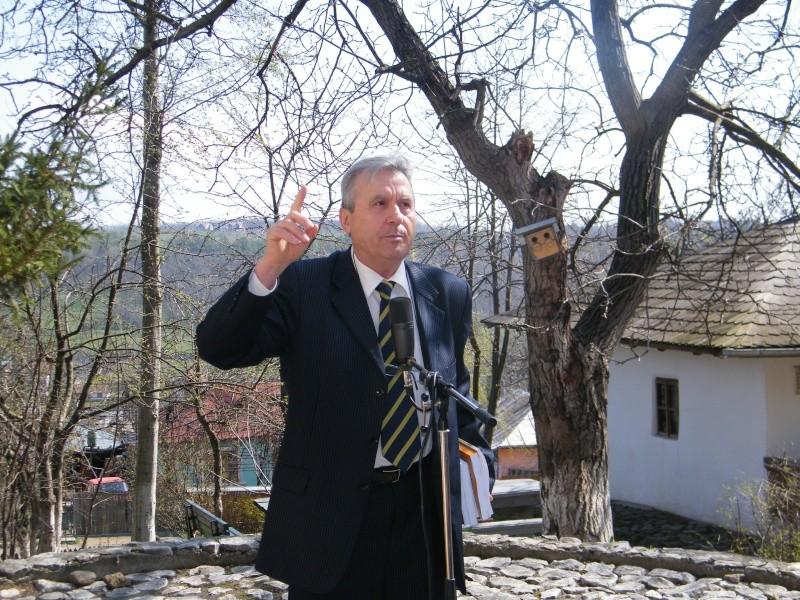 """Concursul Naţional """"Ion Creangă"""" de creaţie literară """"POVEŞTI-16/17 aprilie 2011 La_bad10"""