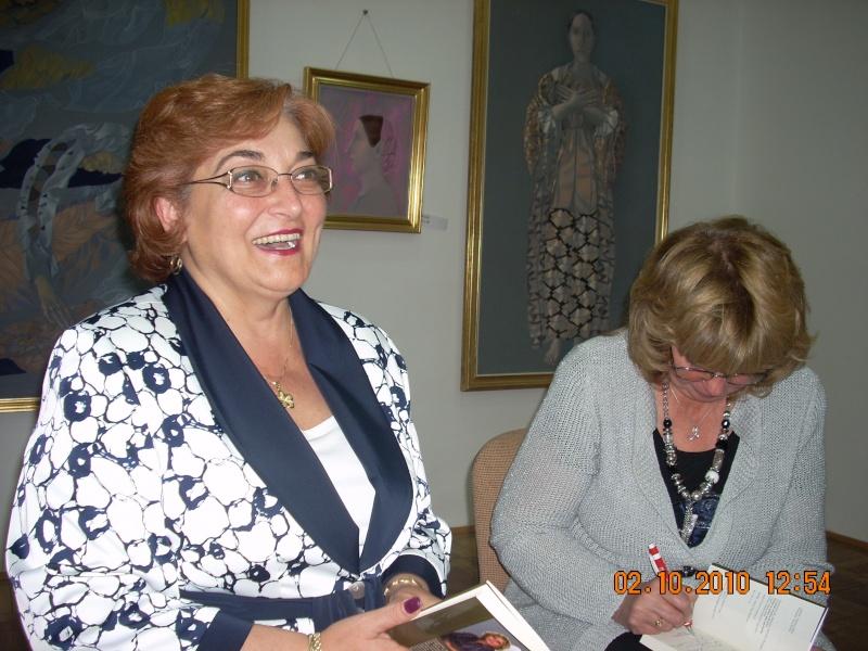 Maria Elena Cuşnir-Lansare de carte-2 Octombrie 2010 Lansar21