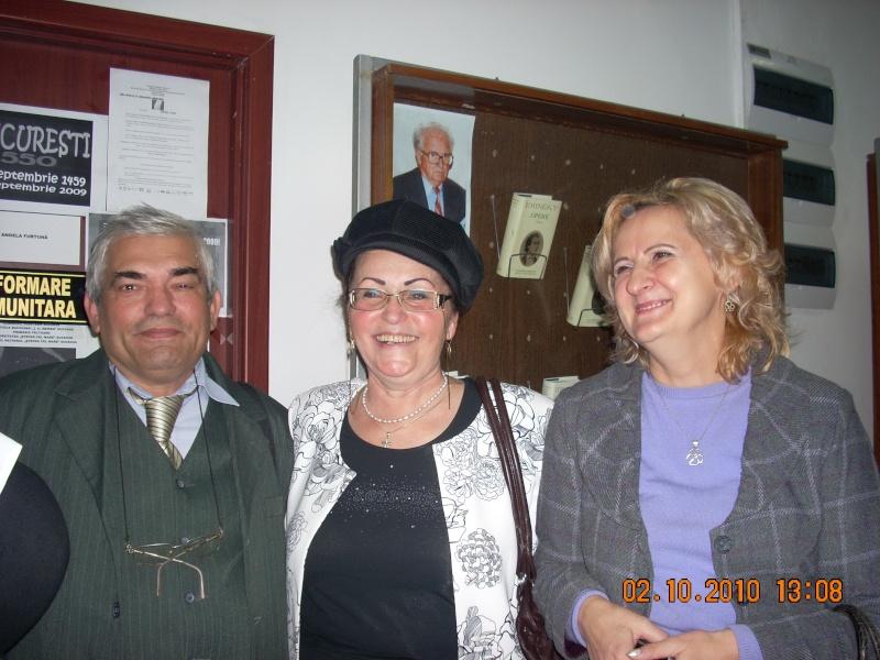 Maria Elena Cuşnir-Lansare de carte-2 Octombrie 2010 Lansar22