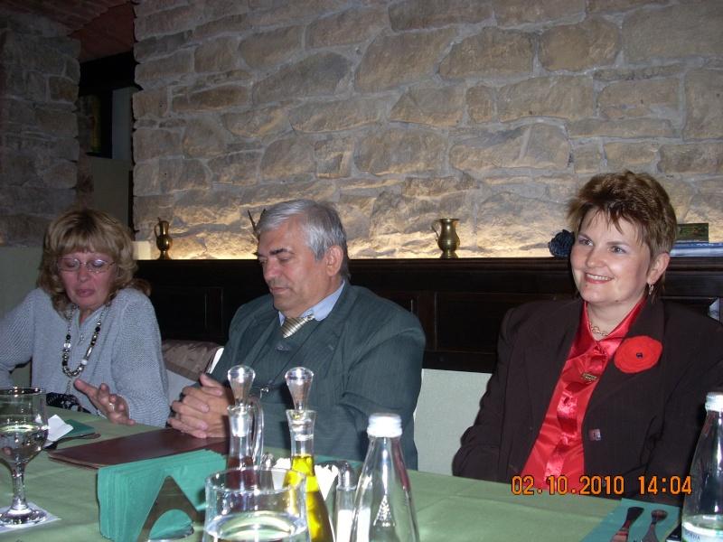 Maria Elena Cuşnir-Lansare de carte-2 Octombrie 2010 Lansar35