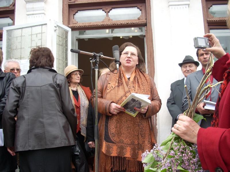 """""""Sărbătoarea liliacului"""", ediţia a XX-a- 7 mai 2011 Sadov106"""