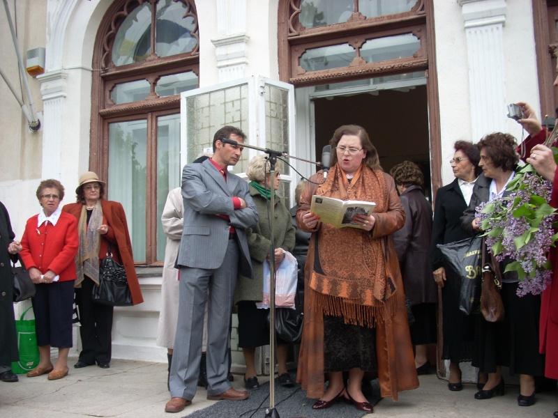 """""""Sărbătoarea liliacului"""", ediţia a XX-a- 7 mai 2011 Sadov107"""