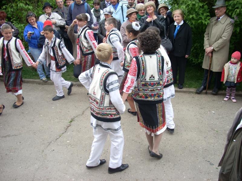 """""""Sărbătoarea liliacului"""", ediţia a XX-a- 7 mai 2011 Sadov110"""