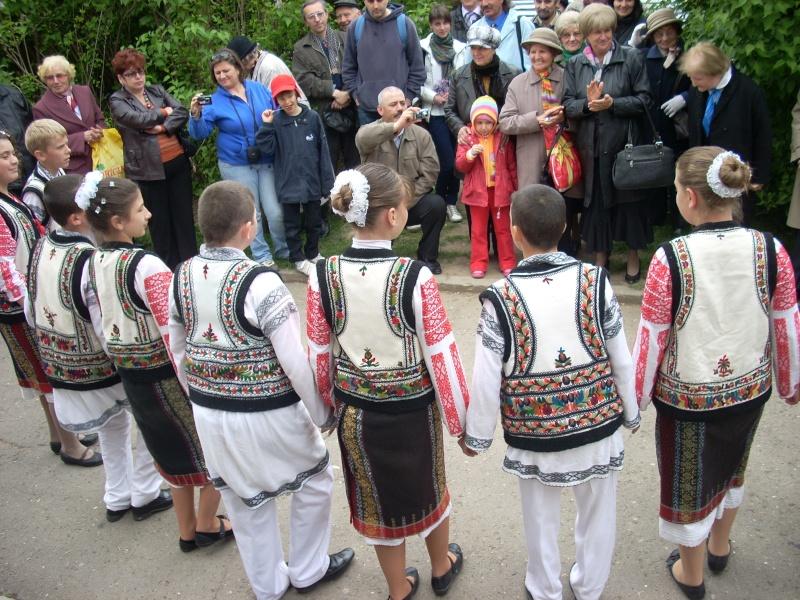 """""""Sărbătoarea liliacului"""", ediţia a XX-a- 7 mai 2011 Sadov111"""