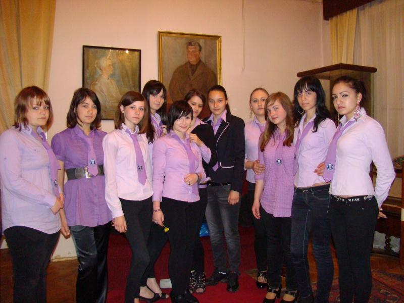 14 mai 2011-sedinta a XIII-a a Cenaclului U.P.-Lansare de carte-Elena Olariu Sedint30