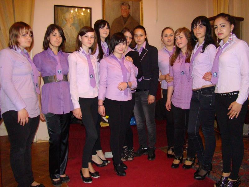 14 mai 2011-sedinta a XIII-a a Cenaclului U.P.-Lansare de carte-Elena Olariu Sedint32