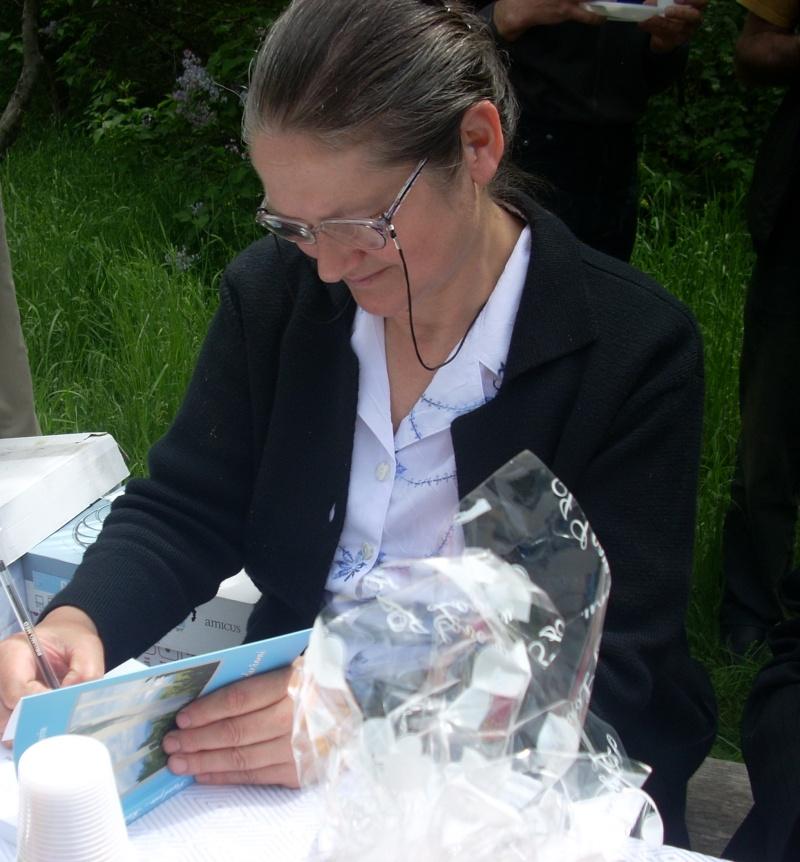 14 mai 2011-sedinta a XIII-a a Cenaclului U.P.-Lansare de carte-Elena Olariu Sedint35