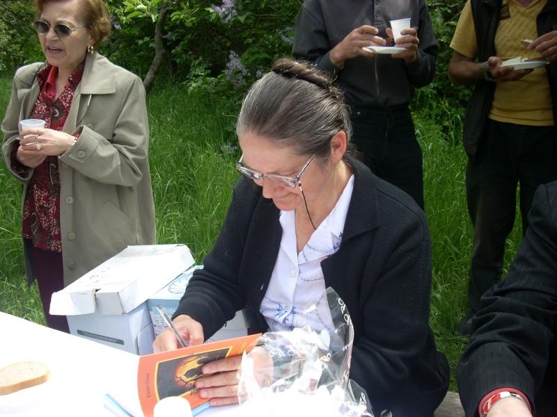 14 mai 2011-sedinta a XIII-a a Cenaclului U.P.-Lansare de carte-Elena Olariu Sedint36