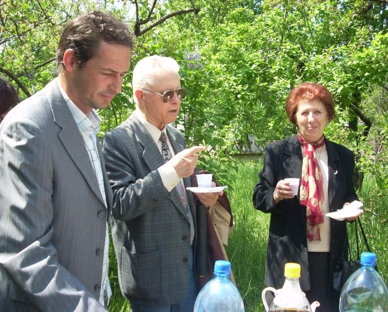 14 mai 2011-sedinta a XIII-a a Cenaclului U.P.-Lansare de carte-Elena Olariu Sedint46