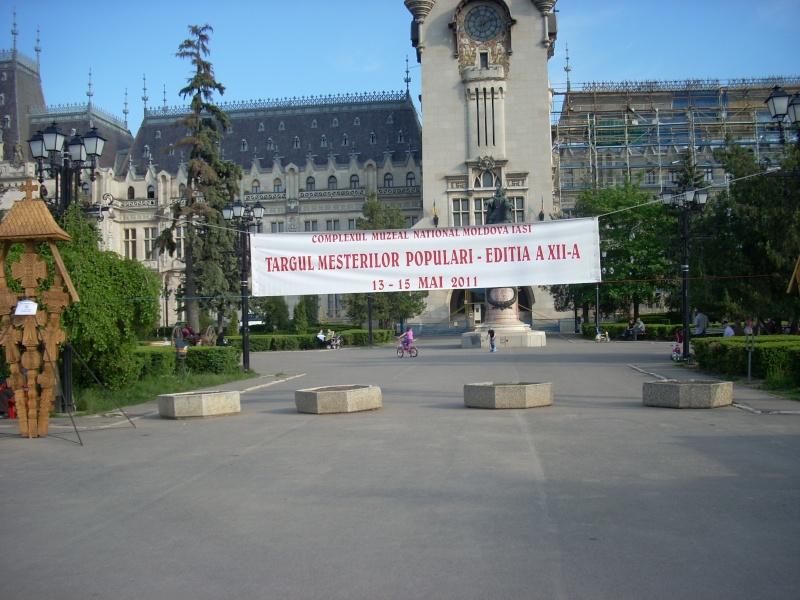 Târgul Meşterilor Populari-Ediția a XII-a,13–15 mai 2011 Targul10