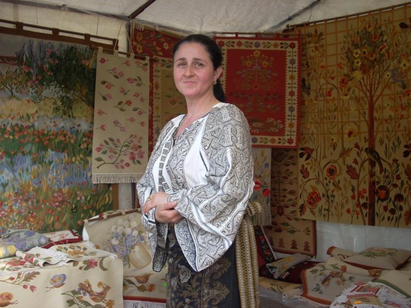 Târgul Meşterilor Populari-Ediția a XII-a,13–15 mai 2011 Targul12