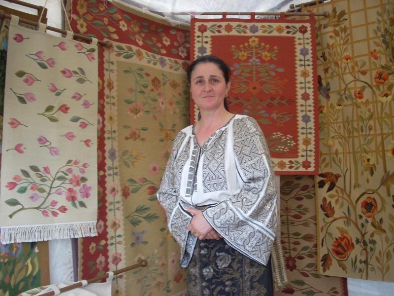 Târgul Meşterilor Populari-Ediția a XII-a,13–15 mai 2011 Targul13