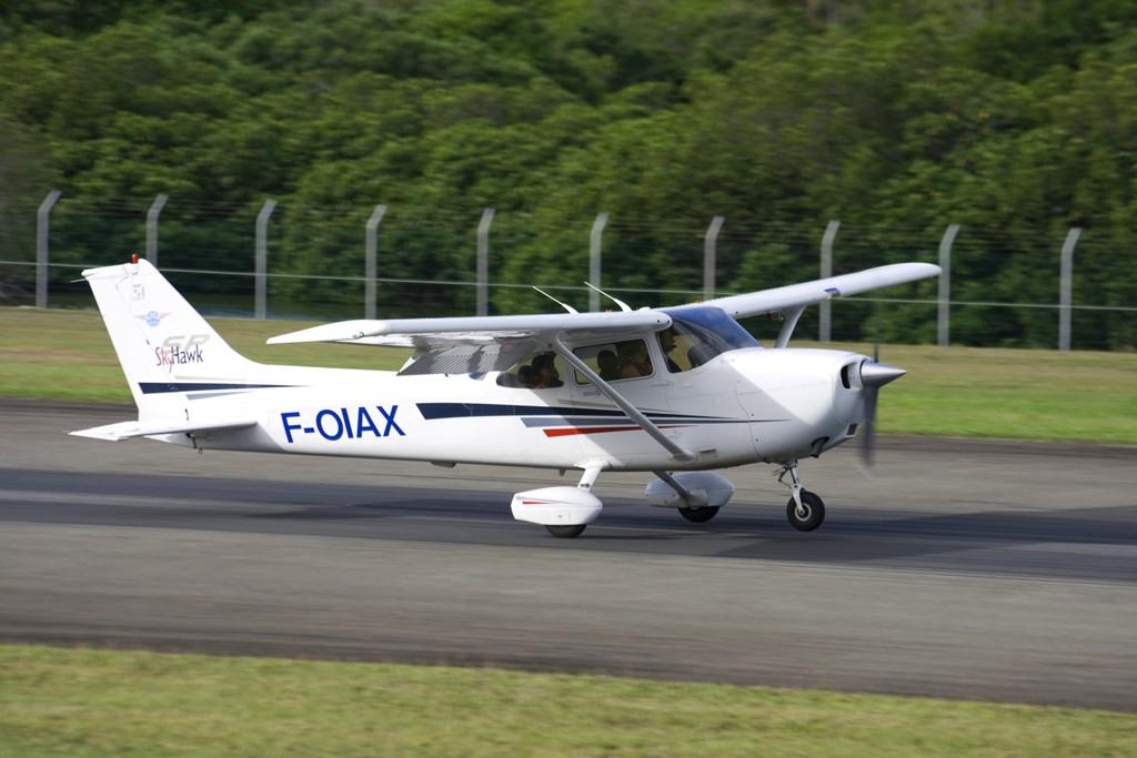 Concours Photos du moi d'Octobre:Les Cessna C172n12
